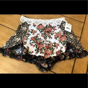 Free People Floral Side Zip Lace Trim Shorts 6